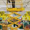 Эксплуатация электрического ножничного подъемника Optimum 8 в супермаркете